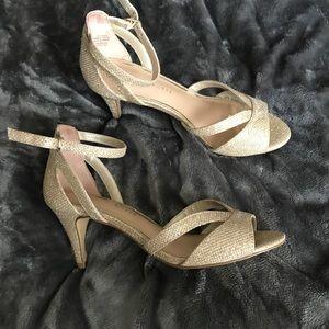 Kelly & Katie Valdena heels